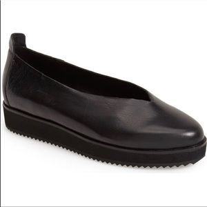 Eileen Fisher Canoe Leather slip-on shoes black 9